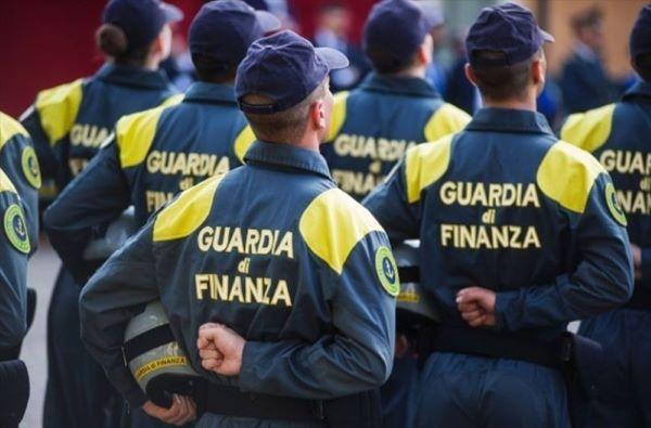 Guardia di Finanza: concorso per il reclutamento di 571 allievi finanzieri