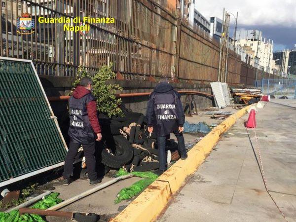 Porto di Napoli, GdF sequestra 100 tonnellate di rifiuti speciali: tre denunce