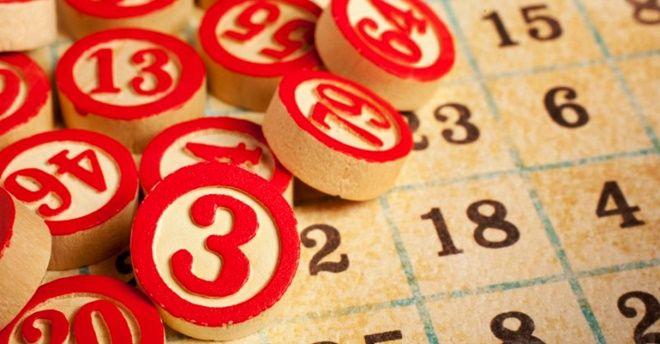 Torre Annunziata, giocavano a tombola in casa: 10 multati