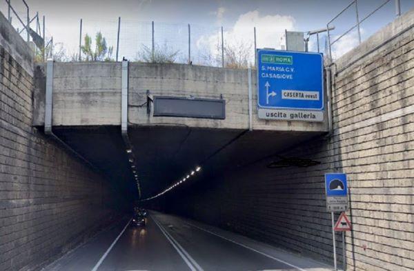 Caserta, piano sicurezza per il tunnel Parco della Reggia: lavori fino al 25 gennaio