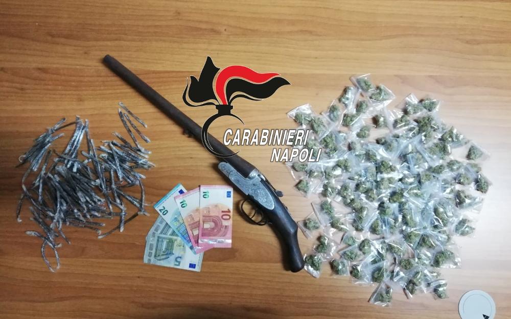Brusciano, fucile e droga nascosti in un sottotetto
