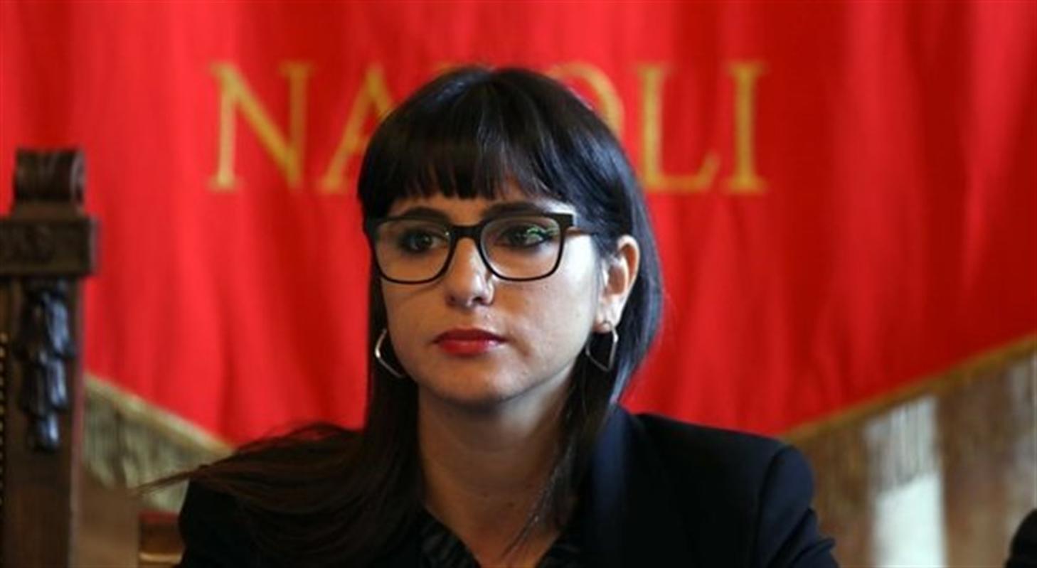 Eleonora De Majo si dimette dall'incarico di assessore alla Cultura del Comune di Napoli in seguito all'inchiesta sulla statua di Maradona.