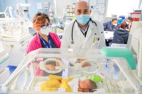 Ospedale Betania di Ponticelli: prematuri in mascherina per il Carnevale in Tin