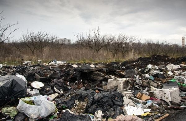 """Terra dei fuochi, Procura e Istituto superiore di Sanità: """"Tumori legati ai rifiuti"""""""