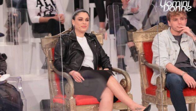 Uomini e Donne, Maria De Filippi ha presentato Samantha Curcio