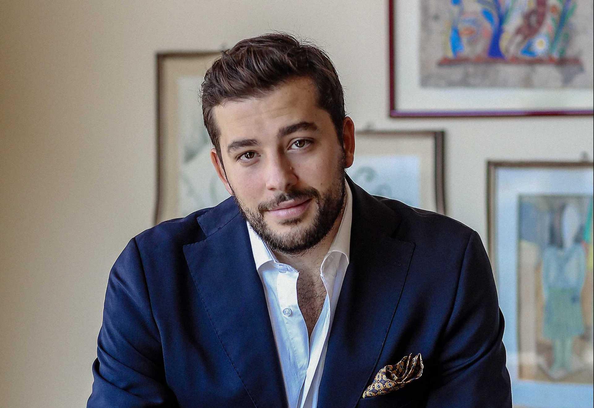 Tra nomi come l'attrice Matilda de Angelis e il calciatore Nicolò Barella, troviamo Pasquale D'Avino, classe 1991, fondatore del marchio di moda 'throwback', esportato in mezzo mondo: è uno dei 100 leader italiani under 30 secondo la rivista americana.
