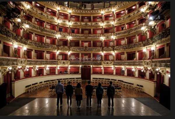 Il Teatro Bellini chiude la sua