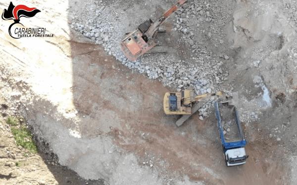Francavilla di Benevento, estrazioni da cava senza autorizzazione: sequestro dei Forestali
