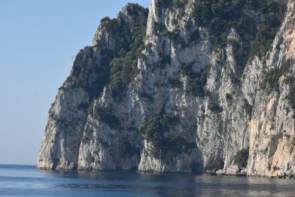 """Federalberghi Capri: """"Dopo lo scempio dei Faraglioni rilanciare candidatura a Patrimonio Unesco"""""""