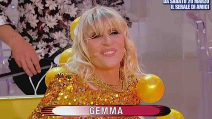 Anticipazioni Uomini e Donne: Gemma imita Charlize Theron