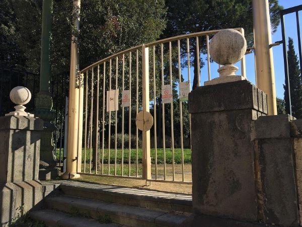 Parchi a Napoli, aperti da De Luca e chiusi da de Magistris
