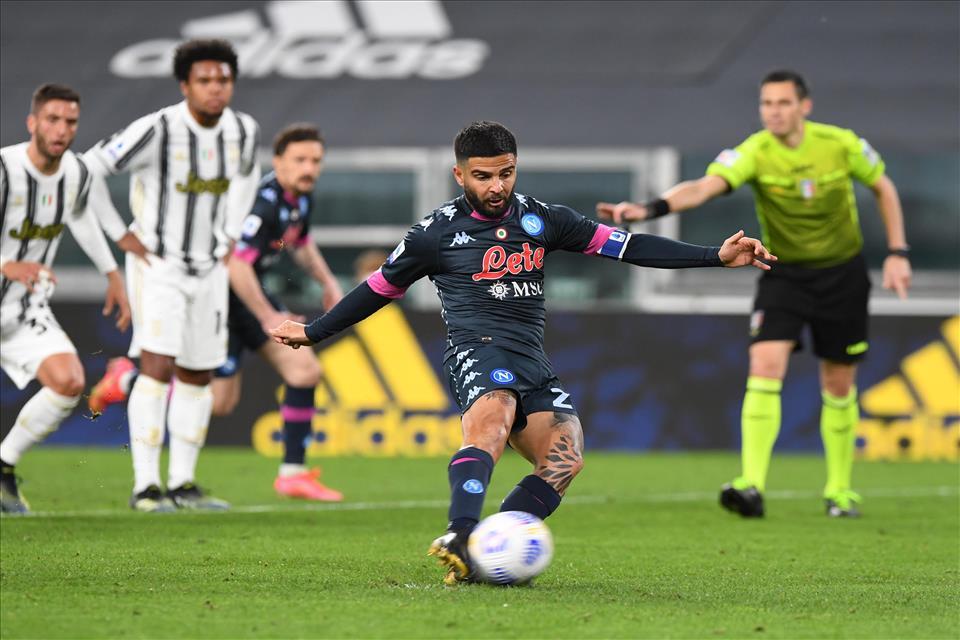 Non basta un buon secondo tempo per fermare la Juventus: Ronaldo, Dybala ed Insigne firmano il 2-1 per i bianconeri