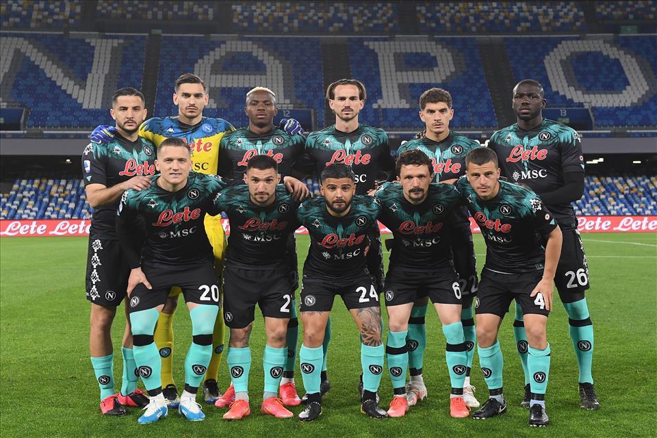 Calcio Napoli ed Inter non si fanno male: 1-1 al Maradona