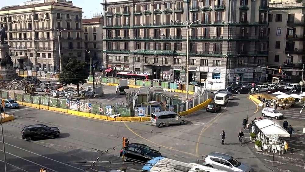 Piazza Garibaldi, 14enne scappa di casa e si perde a Napoli
