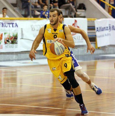 Basket, la Virtus Bava Pozzuoli vince per 76-68 contro la Pall