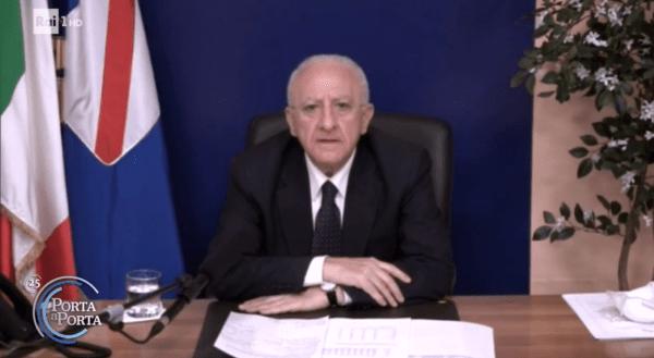 """Covid 19, De Luca a Porta a Porta: """"Si lavora per vaccinare in anticipo le isole"""" (VIDEO)"""