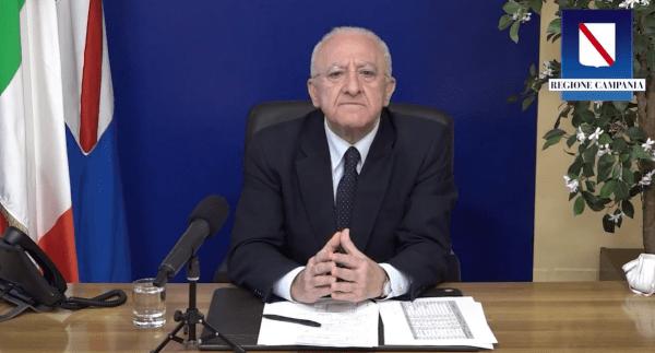 """Covid 19, De Luca: """"Reggiamo bene. Obiettivo è immunizzare tutti i cittadini entro l'estate"""" (VIDEO)"""