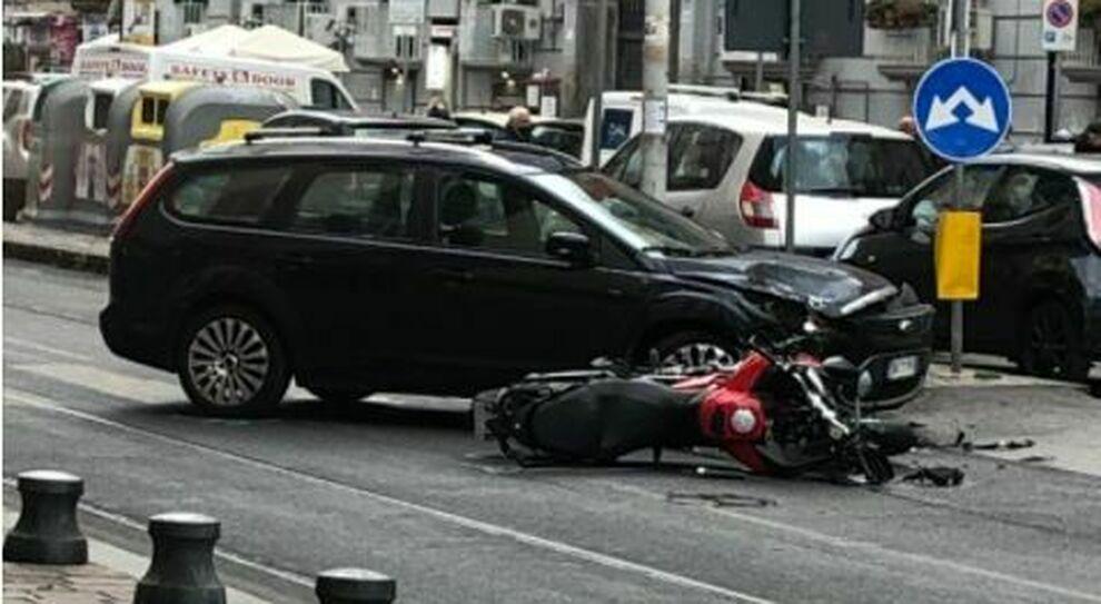 Mergellina, grave incidente in moto per pattuglia di Falchi