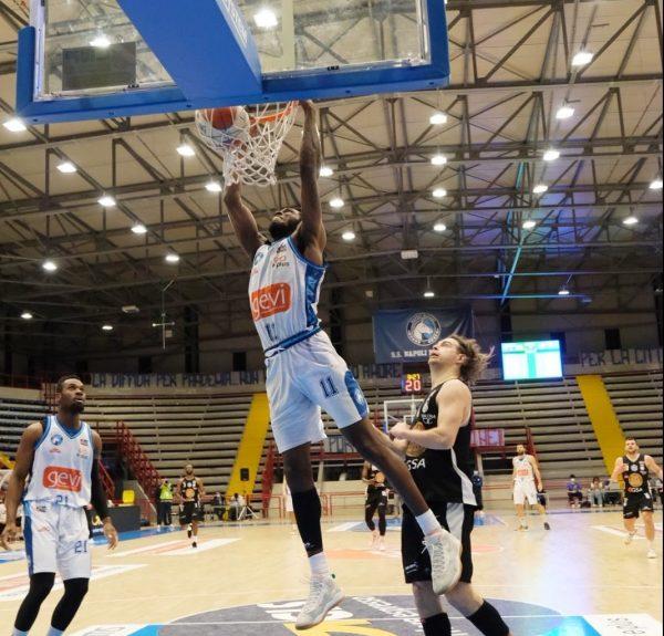Basket, girone bianco: Gevi Napoli Basket-Apu OWW Udine 71-63