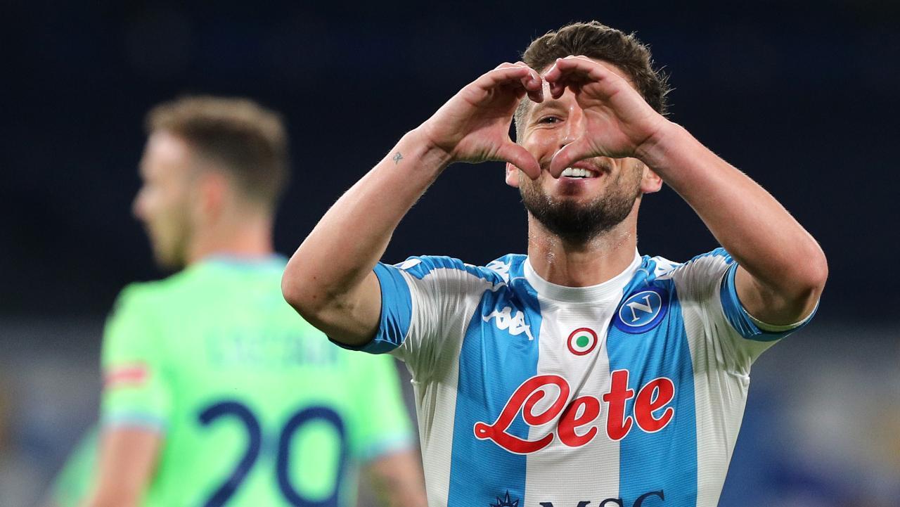 Che spettacolo al Maradona: Calcio Napoli straripante. 5 2 alla Lazio. Mertens nella storia