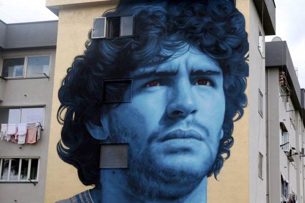 Frattamaggiore: un murale in omaggio a Diego Armando Maradona