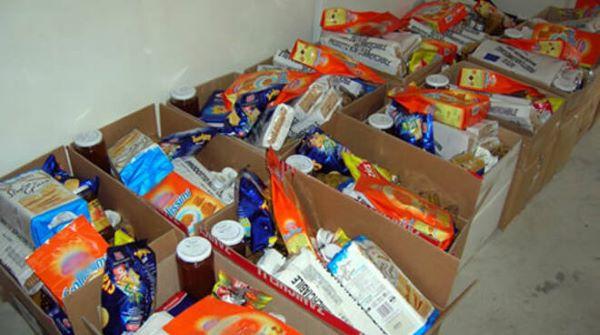 Comune di Napoli, parte la distribuzione dei pacchi alimentari: ecco il calendario