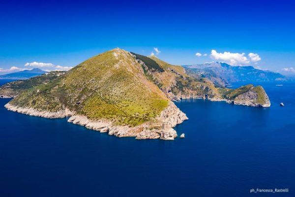 """Punta Campanella: primo weekend """"giallo"""" da vivere a contatto con la natura"""