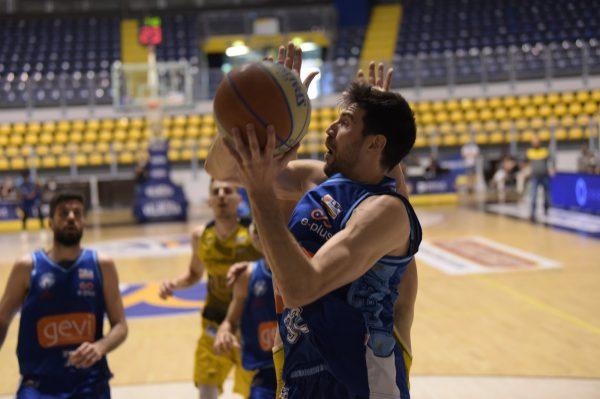 Girone bianco serie A2: Reale Mutua Torino - GeVi Napoli Basket 75-85