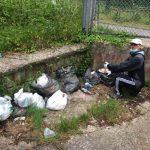 Nuovo intervento di raccolta rifiuti dei volontari al Parco dei Camaldoli di Napoli