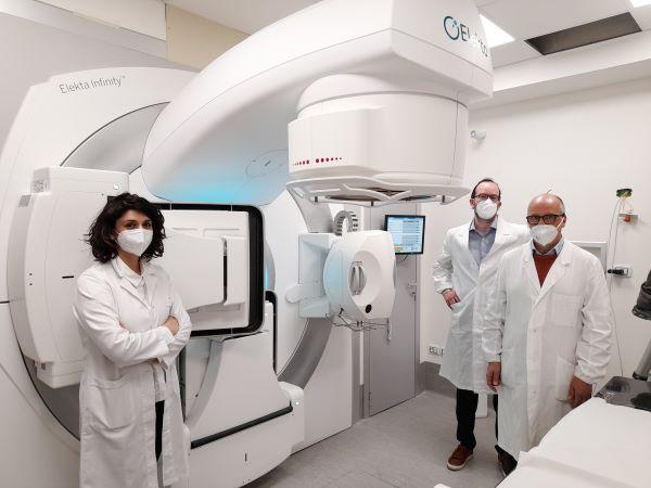 Policlinico Vanvitelli di Napoli: nuovo acceleratore per la Radioterapia con personale dedicato (VIDEO)
