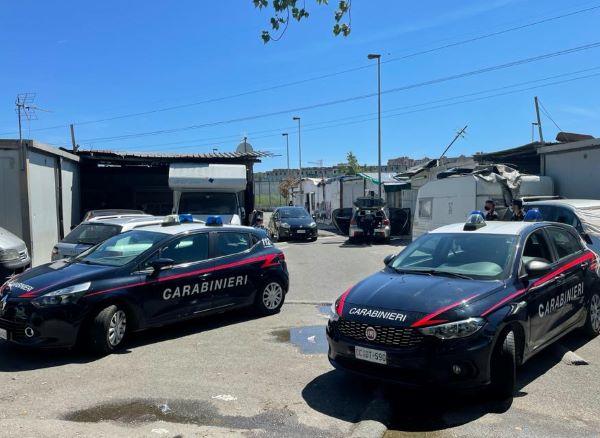 Napoli, controlli al campo Rom di Secondigliano e a Scampia: sequestri e multe per 435mila euro
