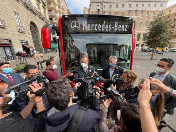 Anm: da oggi sono in servizio 20 nuovi bus Mercedes-Benz