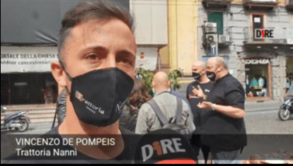 """Napoli, ristoratori senza spazi all'aperto in piazza con tovaglie e stoviglie: """"Ridateci dignità"""""""