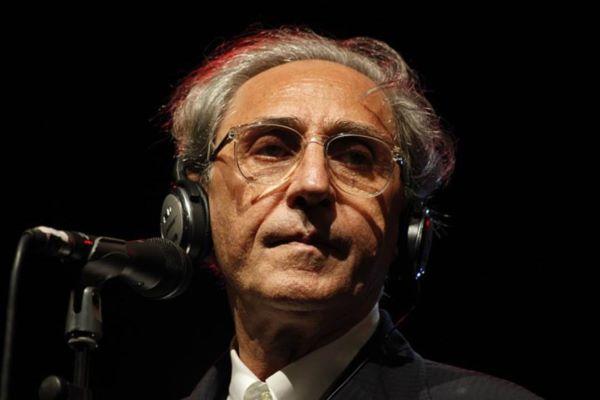 La musica e la cultura piangono la morte di Franco Battiato: addio al Maestro
