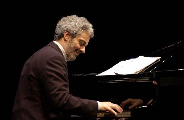 La musica è pericolosa: sabato 29 maggio Nicola Piovani riapre le porte del Trianon Viviani
