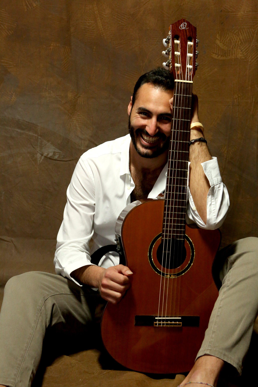 Port Emerald è il nuovo singolo del cantautore napoletano Sesto