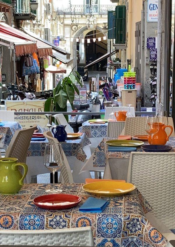 Piacere e gusto ai quartieri spagnoli con 'A Taverna d''e Zoccole