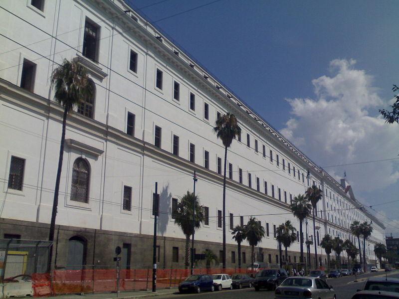 Covid 19 a Napoli: il 30 giugno vaccini per i senza fissa dimora all'Albergo dei Poveri