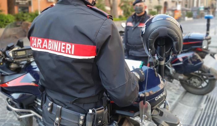 Rione Sanità, in 4 sullo scooter: blitz dei carabinieri