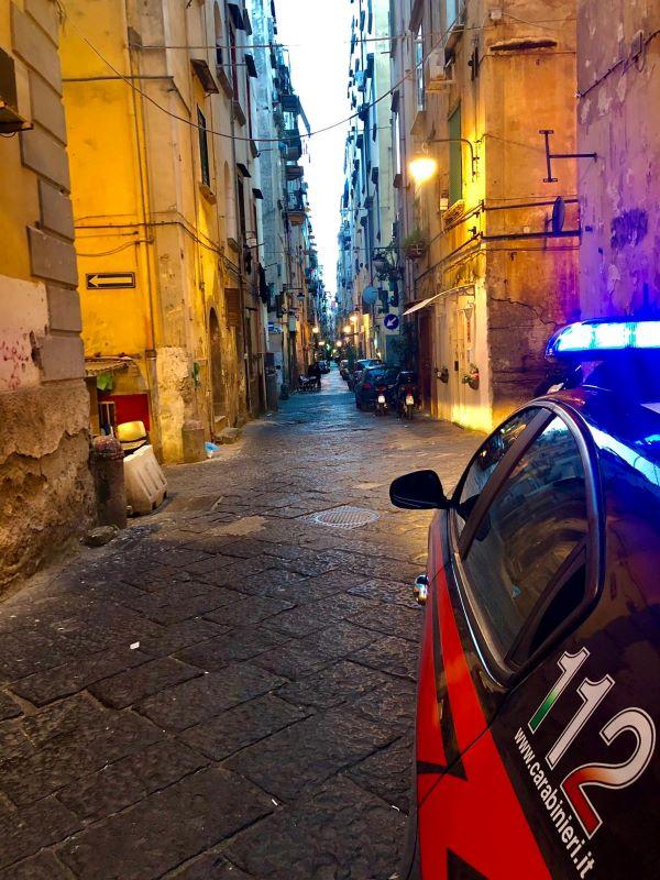 Napoli, controlli in ville e ristoranti: Carabinieri interrompono comunione a Posillipo