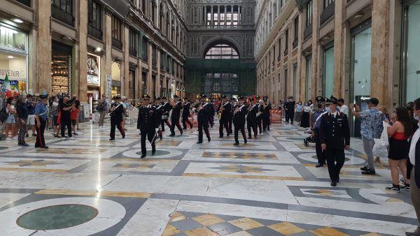 Festa della Musica 2021: applausi per la Fanfara dei Carabinieri tra le strade di Napoli