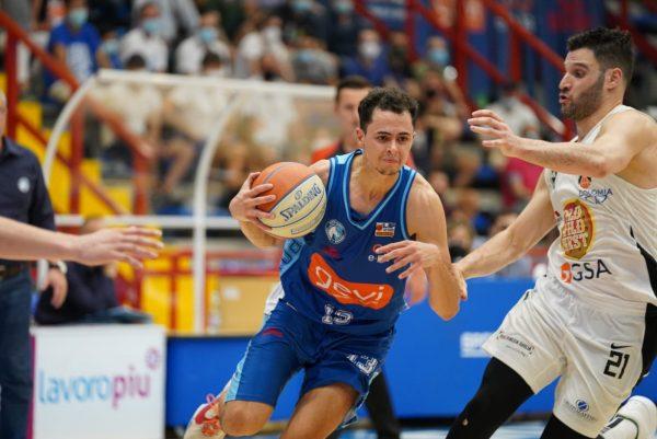 Gevi Napoli Basket, domani a Udine gara 3 della finale playoff: manca una vittoria alla Serie A1