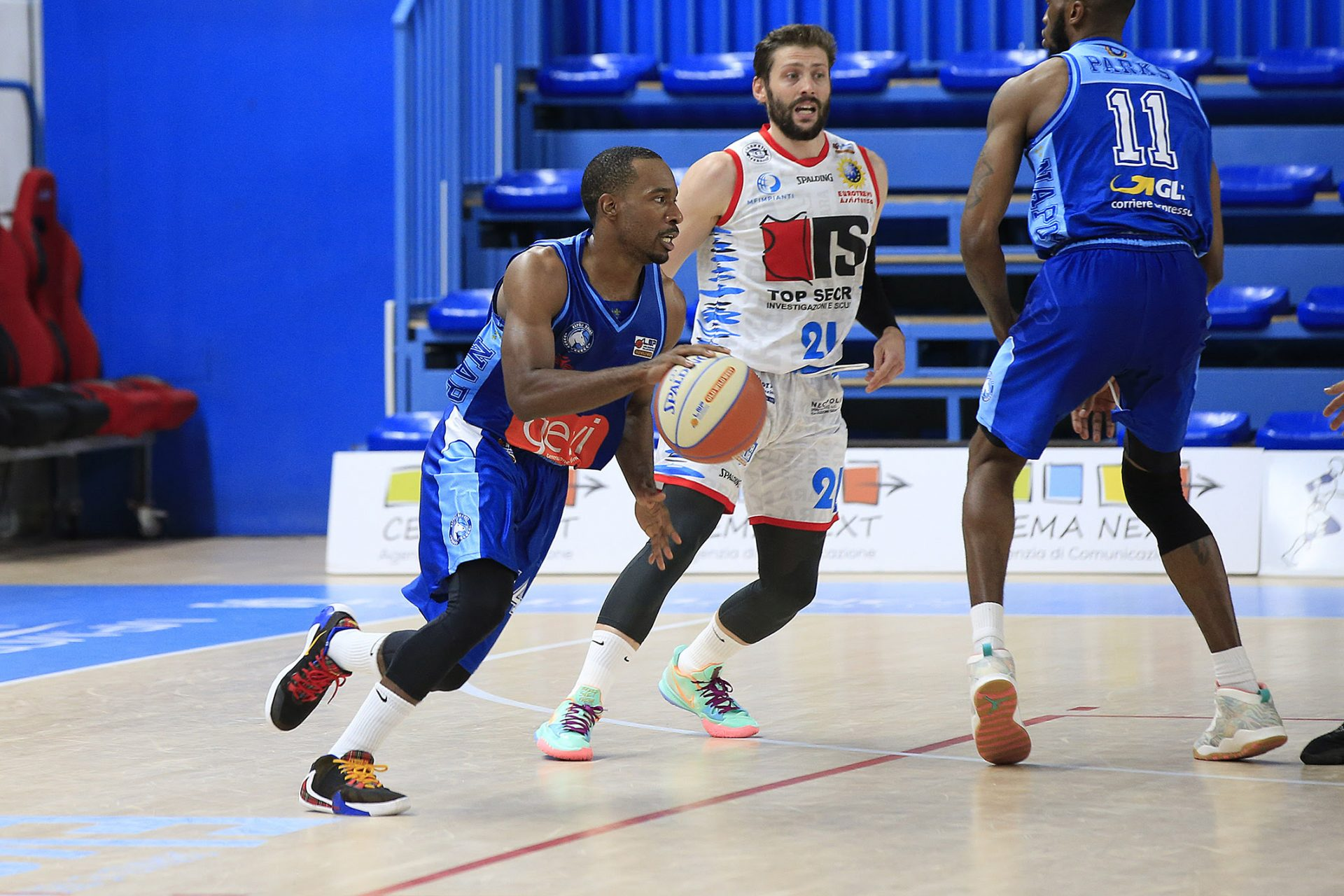 Basket, gli azzurri sono in finale: Top Secret Ferrara-Gevi Napoli Basket 79-88