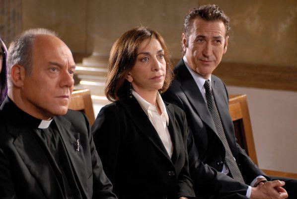 """""""Io, loro e Lara"""" su Rete 4. I film in tv martedì 15 giugno"""