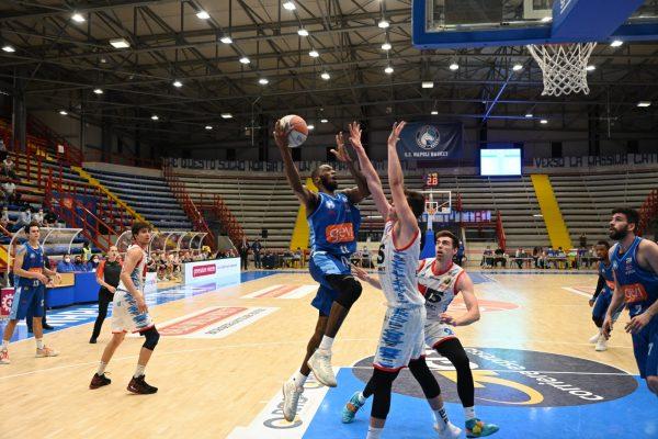 Vince ancora la Gevi Napoli Basket contro il Top Secret Ferrara (78-75)