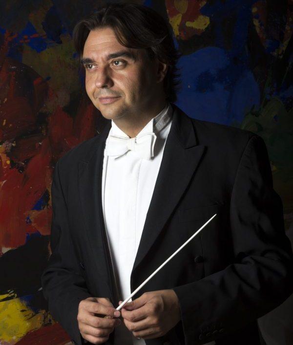 Un'Estate da Re:Jordi Bernacerdirige Gennaro Cardaropolie l'Orchestra del Teatro San Carlo