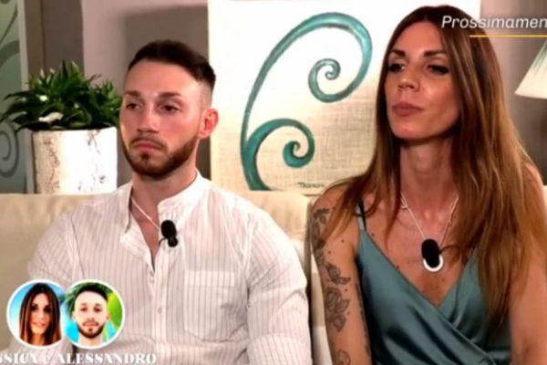 Temptation Island, anticipazioni quinta puntata: Manuela bacia Luciano