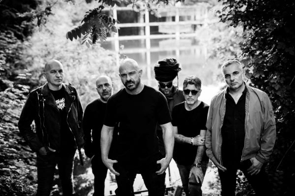 Indie, Rock e Dintorni, festival musicale all'ex Base Nato di Bagnoli: aprono gli Almamegretta