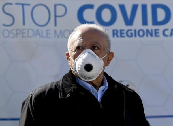 De Luca: in Campania 92% ricoverati in intensiva è no vax