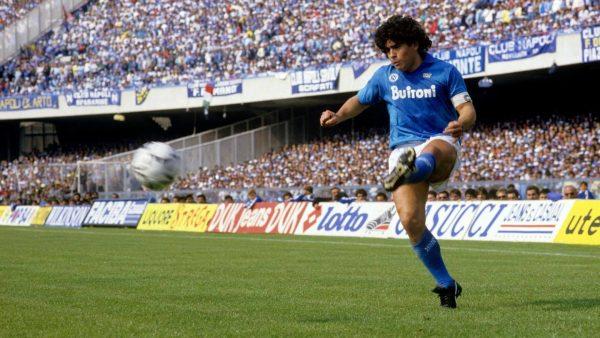 """""""Sine Diez"""", omaggio a Maradona al Maggio della Musica di Stefano Valanzuolo"""